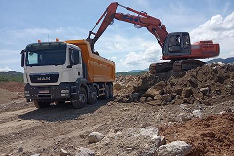 Izkopi, prevozi, gradbena mehanizacija